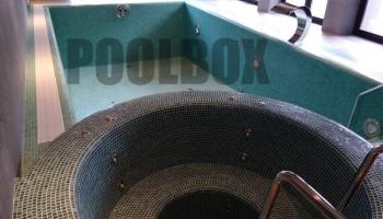 Бассейн с отделкой мозаикой (плиткой)